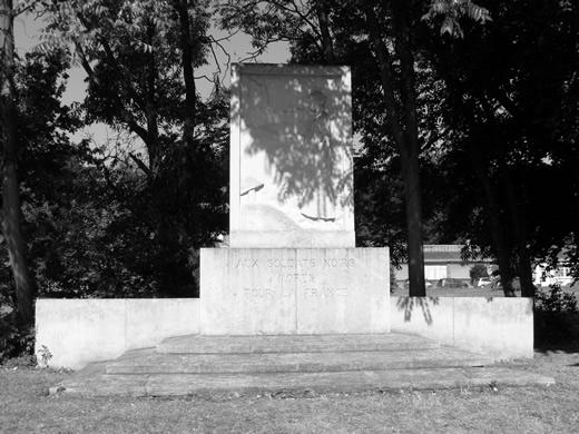 le-monument2t.1227806997.jpg