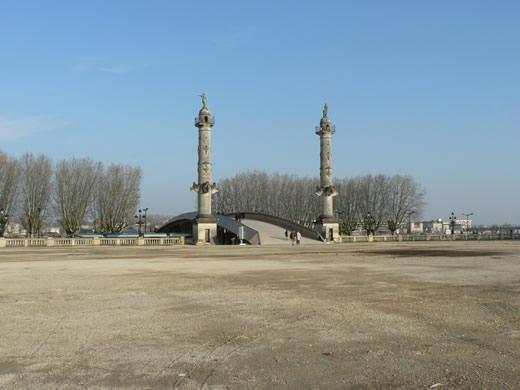 place-des-quinconces-bordeauxt.1268809695.jpg